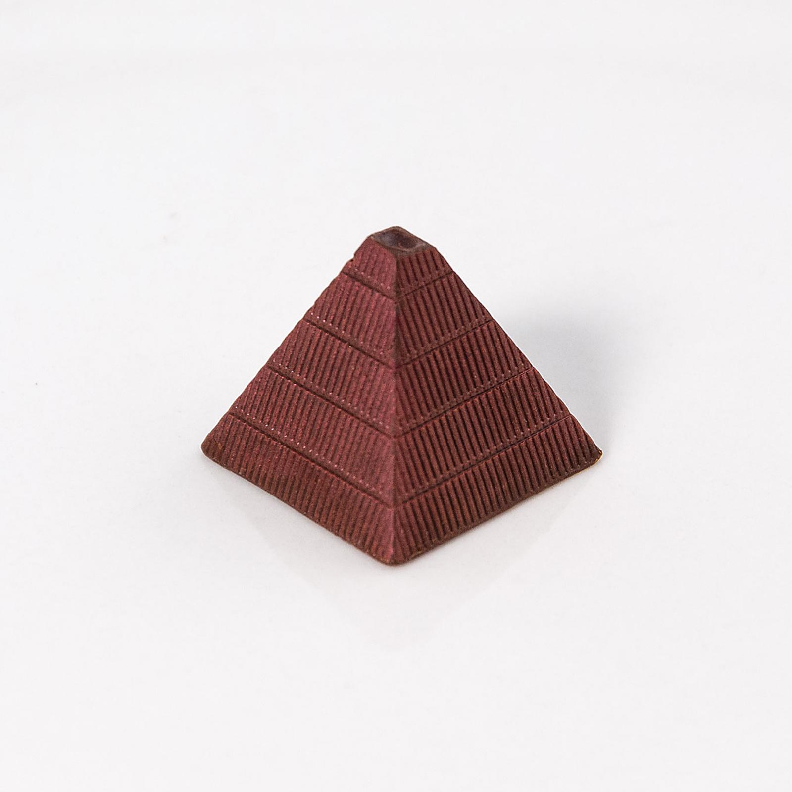 Bombón en forma de Pirámide Relleno de Kahlúa y Chocolate de Leche