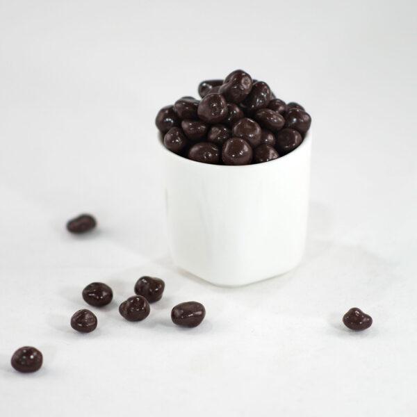 Arándanos cubiertos de chocolate oscuro