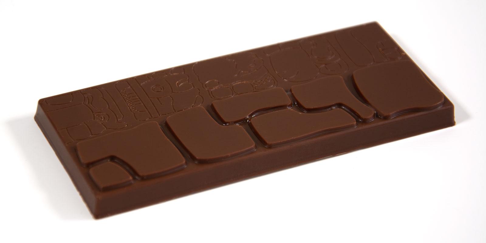 Barra de chocolate danta con decoración maya